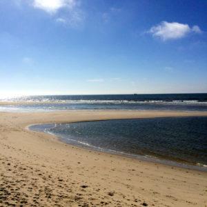 Der Nordseestrand bei Hörnum - auch hier nagen die Gezeiten am Sand und formen die Küstenlinie immer neu.