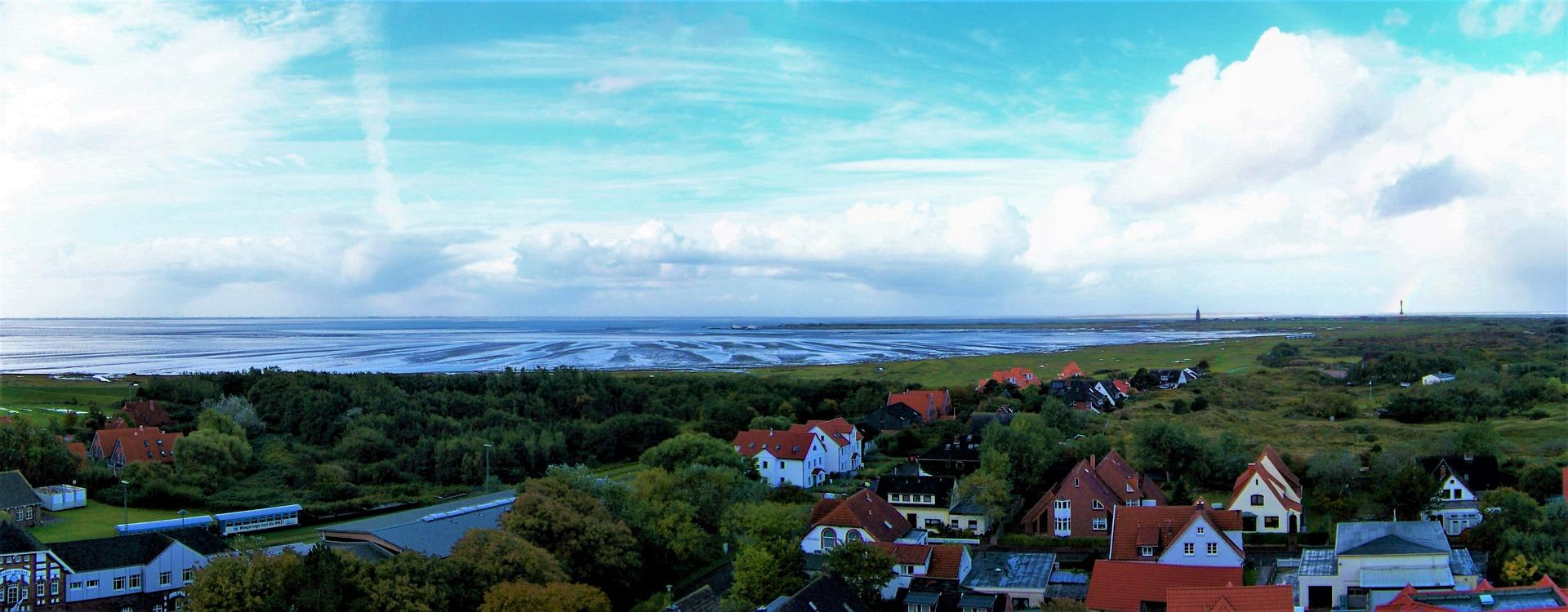 Blick über Wangerooge bei Wind und Wetter